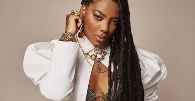 A cantora de 25 anos agradeceu aos fãs nas redes sociais e relembrou sua trajetória no universo musical