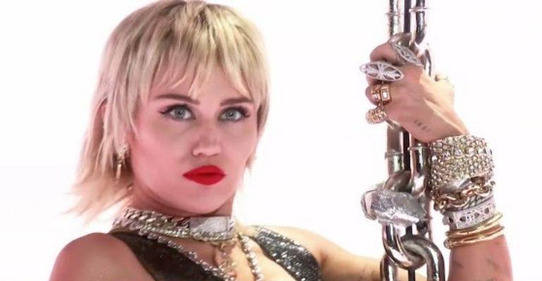 Cantora foi criticada após imprevisto ao planejar performance para premiação