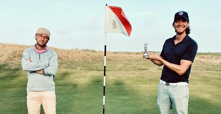 Tom Felton, eterno Malfoy, e James Phelps, ator de Fred Weasley, honraram suas casas!