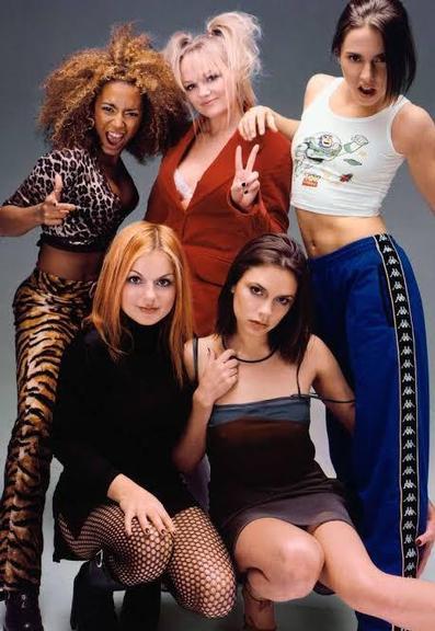 5 looks dos anos 90