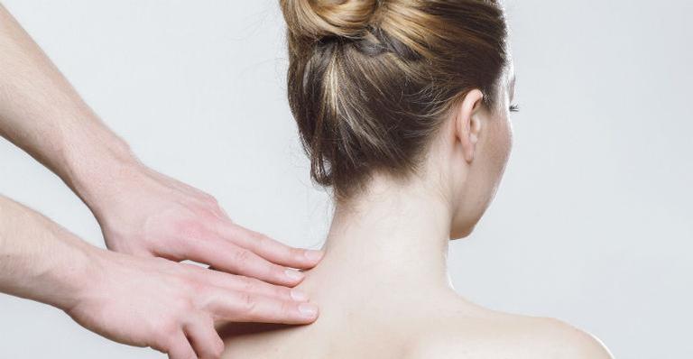 Conversamos com um especialista que revelou cuidados essenciais para melhorar a postura corporal. Vem ver!