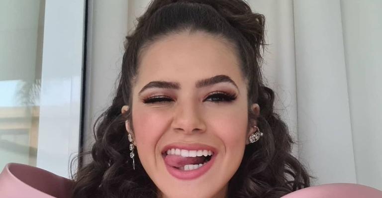 """A atriz compartilhou um vídeo cantando """"Fala Mal de Mim"""", de Ludmilla, nos bastidores da novela """"Carrossel"""""""