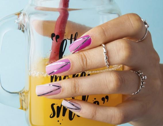 passo-a-passo:-aprenda-a-fazer-uma-nail-art-de-unha-degrade