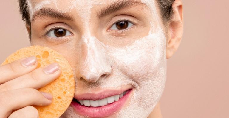 sabonete-facial-e-o-item-indispensavel-para-a-sua-rotina-de-skin-care;-saiba-por-que