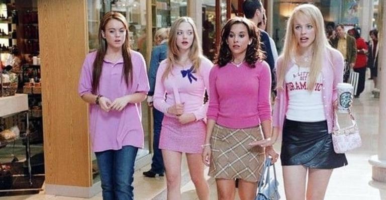 elenco-de-'meninas-malvadas'-se-reune-em-live,-relembra-sucesso-do-filme-e-incentiva-o-voto-nas-eleicoes