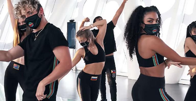 "now-united-compartilha-video-dancando-""dynamite"",-single-do-bts"
