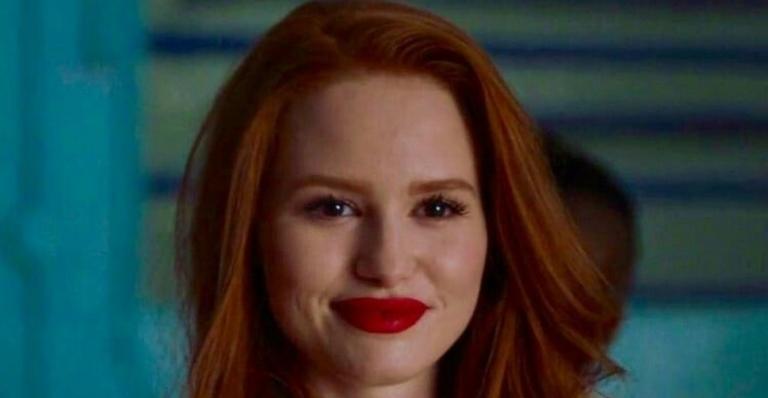 """madelaine-petsch,-atriz-de-""""riverdale""""',-comenta-sobre-evolucao-de-cheryl-blossom:-""""mais-motivada-do-que-nunca"""""""