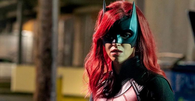 "cw-divulga-poster-inedito-da-segunda-temporada-de-""batwoman"";-confira!"