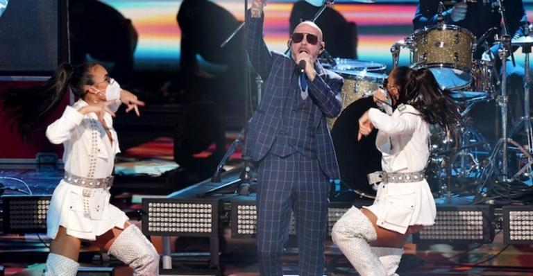 rapper-pitbull-sera-acompanhado-por-banda-de-profissionais-da-saude-em-performance-no-grammy-latino