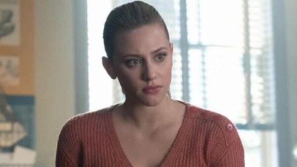 """lili-reinhart-revela-qual-sera-a-profissao-de-betty-na-5a-temporada-de-""""riverdale"""",-apos-salto-temporal"""