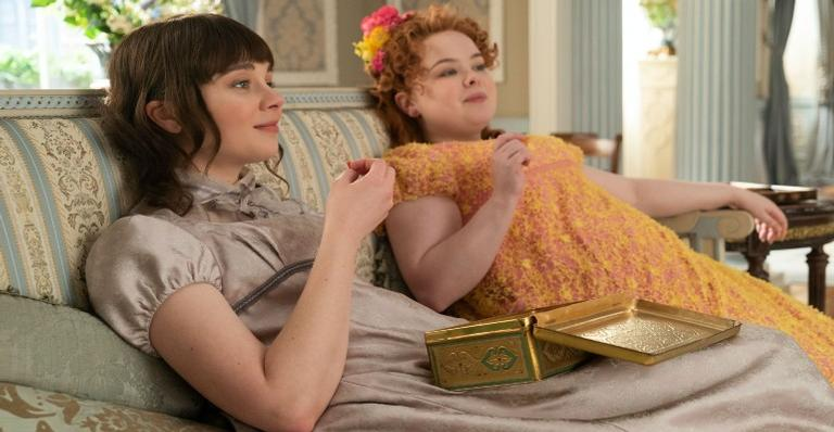 """atrizes-de-""""bridgerton""""-comentam-sobre-os-bastidores-da-serie;-confira!"""