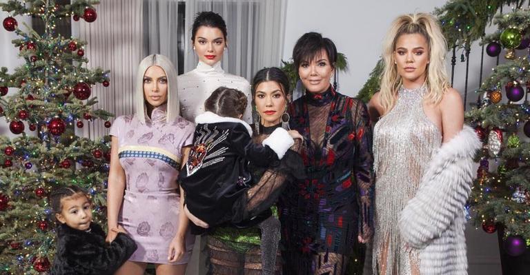 """ultima-temporada-de-""""keeping-up-with-the-kardashians""""-ganha-data-de-estreia-oficial;-vem-ver!"""