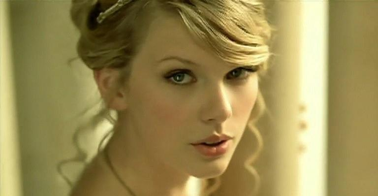 "sera?-taylor-swift-pode-gravar-novo-clipe-para-""love-story"";-entenda!"