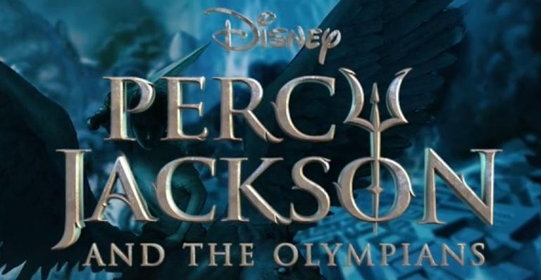 """""""percy-jackson"""":-rick-riordan-revela-detalhes-da-nova-serie-da-disney+-e-compara-orcamento-com-o-de-""""wandavision"""";-confira!"""
