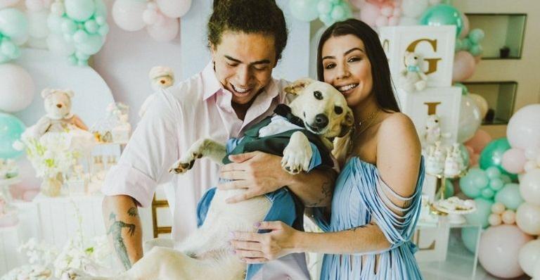 whindersson-nunes-pede-maria-em-casamento-durante-cha-revelacao-do-primeiro-filho!