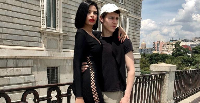 """conheca-a-modelo-a-brasileira-que-beijou-o-astro-de-""""elite"""""""