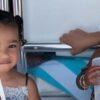 chicago-west,-filha-de-kim-kardashian,-faz-maquiagem-na-prima-true-thompson,-filha-da-khloe