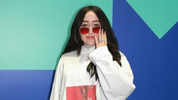 "noah-cyrus-e-a-mais-nova-parceria-de-demi-lovato-no-album-""dancing-with-the-devil"";-confira!"