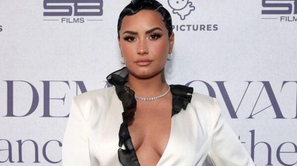 Novo álbum de Demi Lovato é bem recebido pela crítica