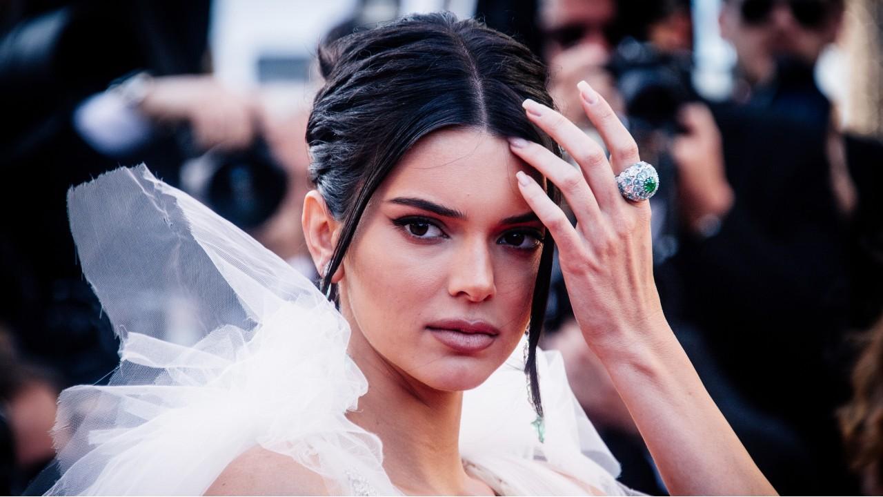 Kendall Jenner foge de mansão após ameaças de morte.