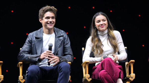 "Confira ""Even When/The Best Part"", a nova parceria de Olivia Rodrigo e Joshua Bassett para HSMTMTS"