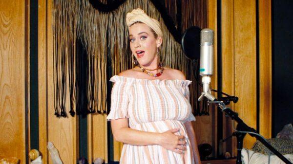 Katy Perry conta o motivo de ter escolhido se tornar mãe