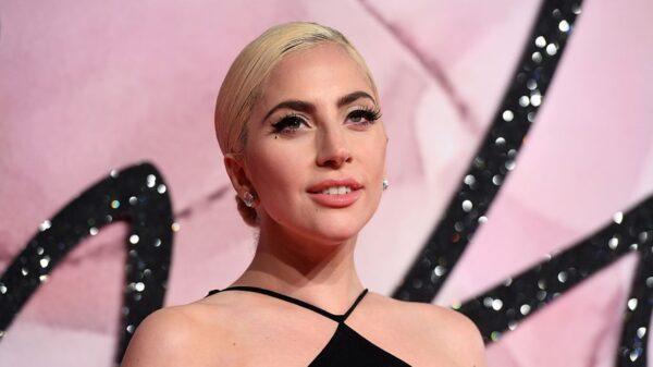 """Lady Gaga estrela comercial ao som da canção """"Free Woman"""""""