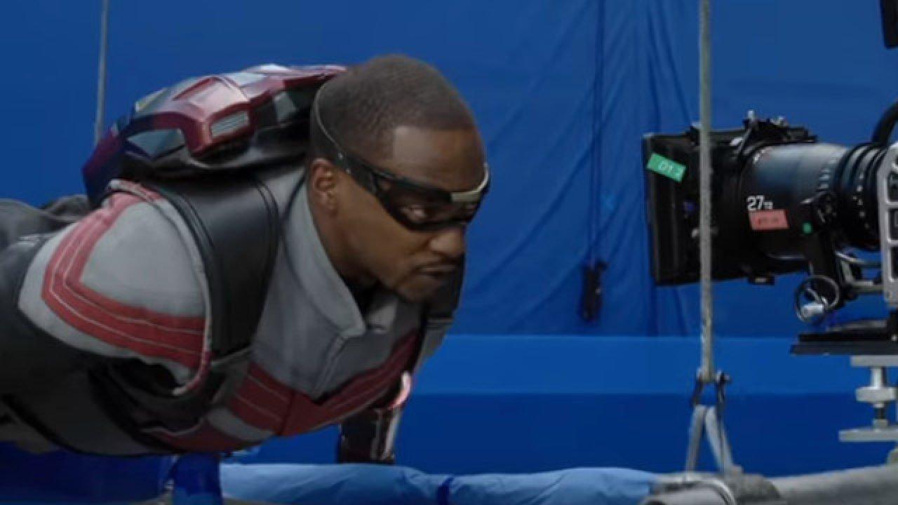 """Bastidores de """"Falcão e o Soldado Invernal"""" são revelados em trailer de """"Assembled"""""""