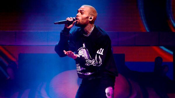 """Chris Brown lança o novo clipe de """"Go Crazy"""""""