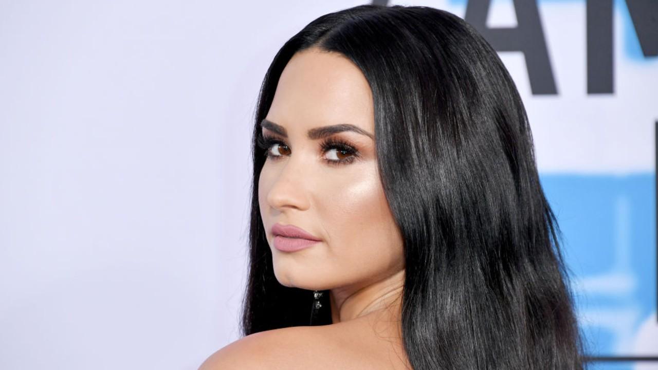 Demi Lovato abre o coração e fala sobre seu antigo noivado