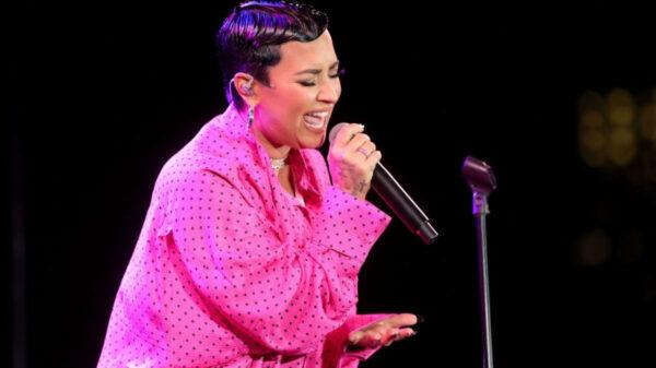 Demi Lovato faz primeira performance ao vivo de novo álbum