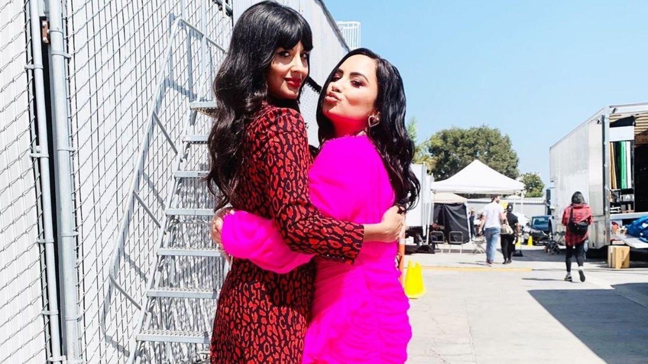 Demi Lovato ganha apoio de Jameela Jamil após polêmica