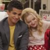 "Dove Cameron e Jordan Fisher são casal no filme ""Field Notes on Love"""
