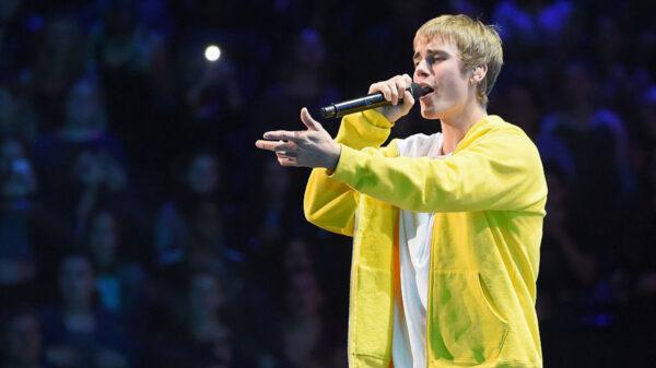 Justin Bieber se apresenta nos Estados Unidos