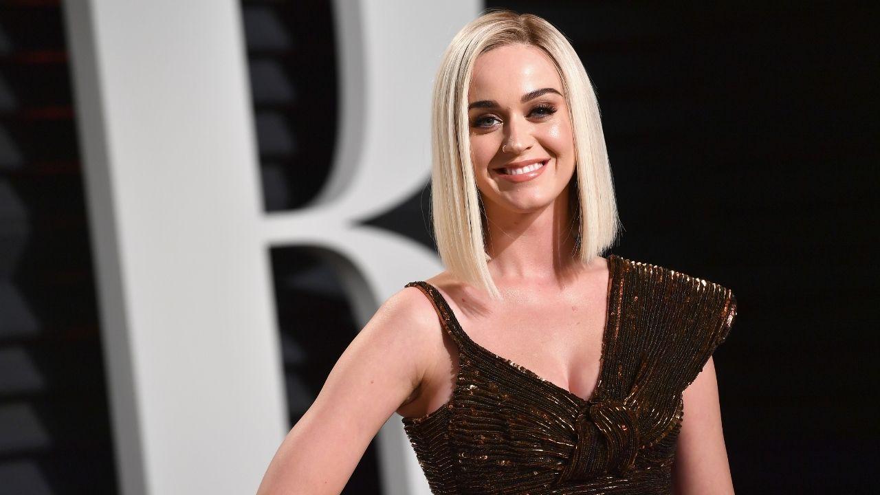 """Katy Perry declara que redes socais são o """"declínio da civilização"""""""
