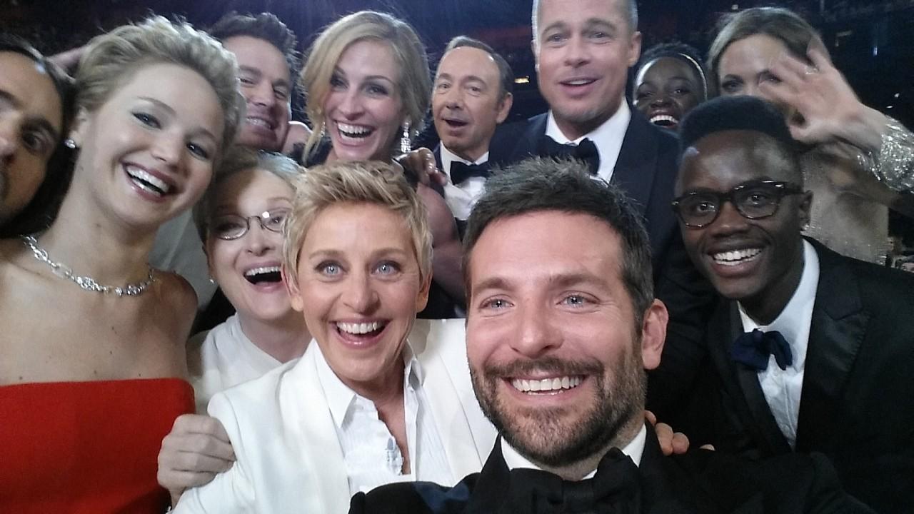 Selfie no Oscar, um dos momentos icônicos que renderam memes da premiação