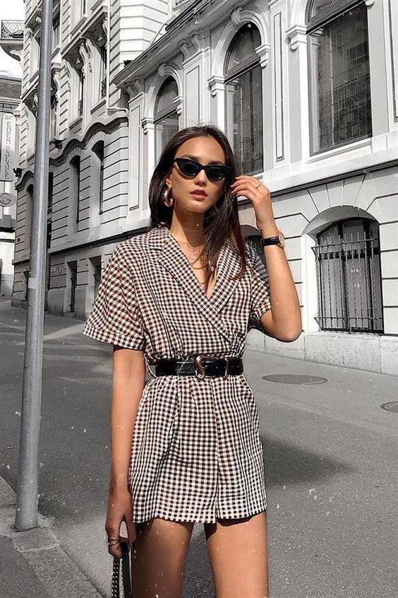 Mini vestido, que está em alta no mundo da moda.