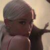 """""""No Tears Left to Cry"""" de Ariana Grande chega a um bilhão de visualizações"""