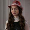 """Confira as primeiras fotos dos bastidores da série """"Emily em Paris"""""""
