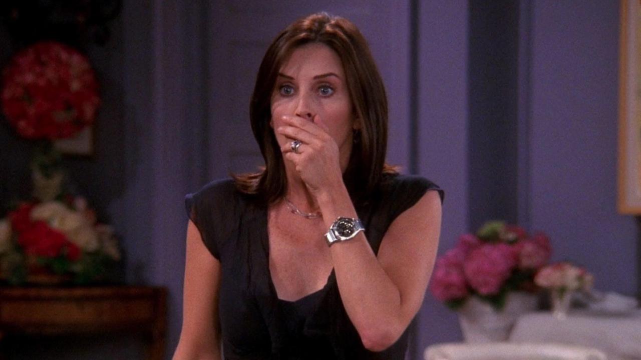 "Courteney Cox fala sobre bastidores de cena de ""Friends"""