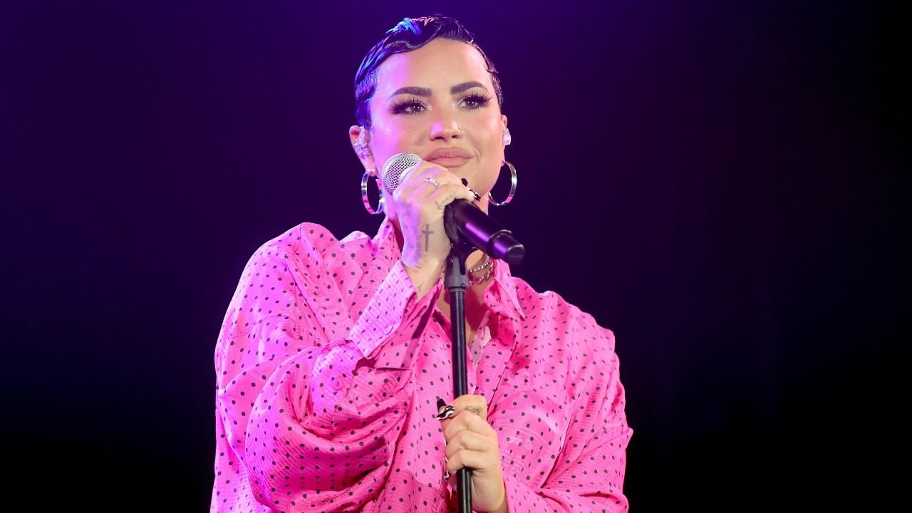 Demi Lovato recebeu a vacina contra a covid-19