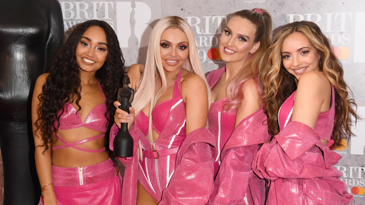 Jesy Nelson comemora prêmio de Little Mix