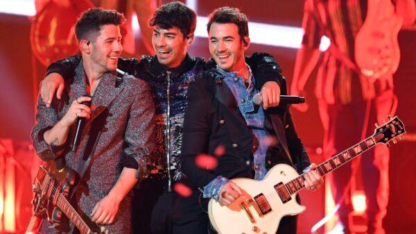 jonas brothers anuncia primeiro show em festival depois da pandemia