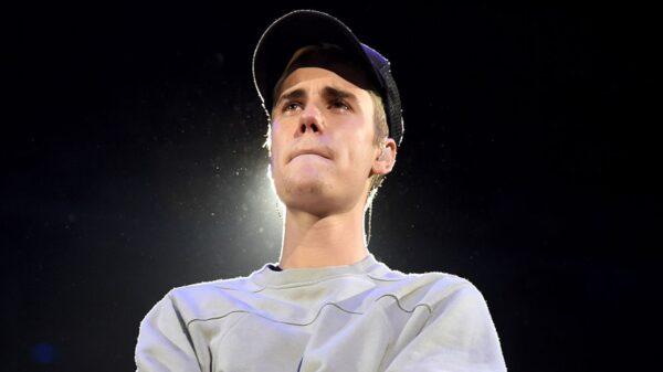 """Justin Bieber anuncia sua próxima turnê, a """"Justice World Tour"""""""