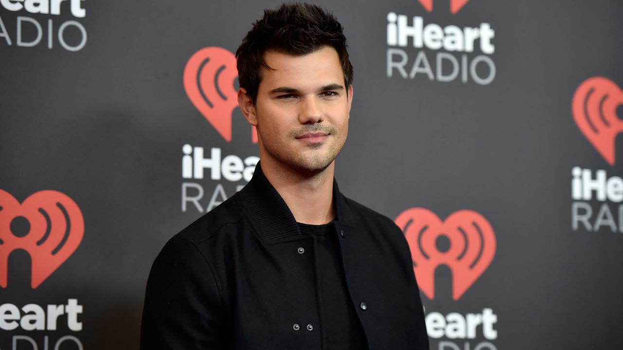 """Taylor Lautner é confirmado em """"Home Team"""""""