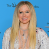 "Avril Lavigne surpreende fãs ao dublar ""Sk8r Boi"" no TikTok"