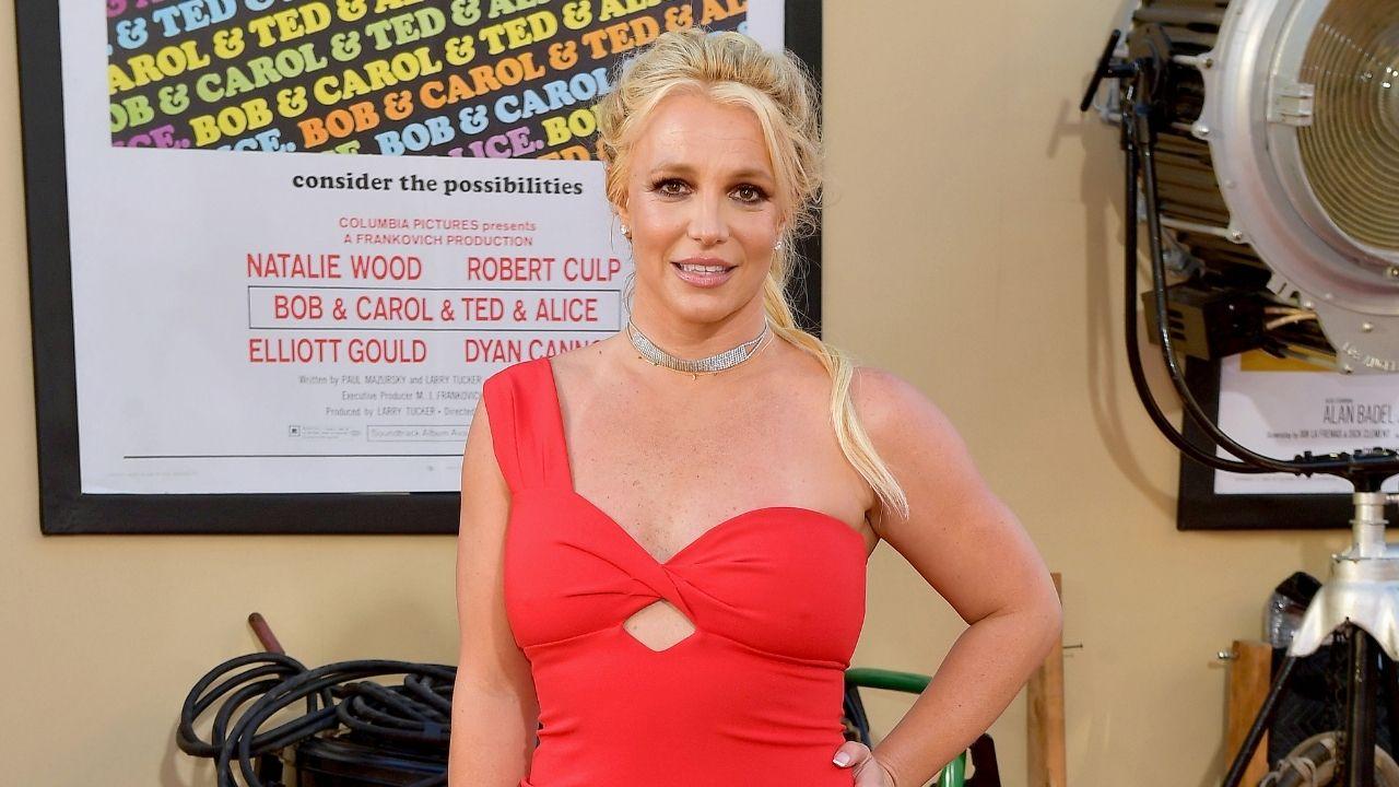 """Britney Spears depõe contra o pai pela primeira vez: """"Eu mereço ter uma vida"""""""