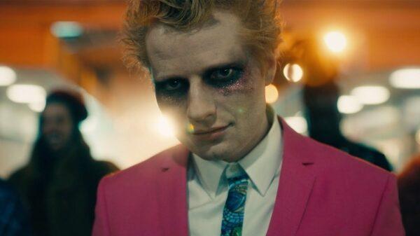 "Ed Sheeran divulga novo teaser de ""Bad Habits"""