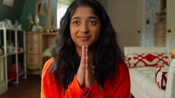 """Confira o trailer da segunda temporada de """"Eu Nunca..."""", Devi tem dois namorados?"""