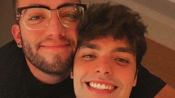 Lucas Rangel posta foto com namorado comemorando o Dia dos Namorados